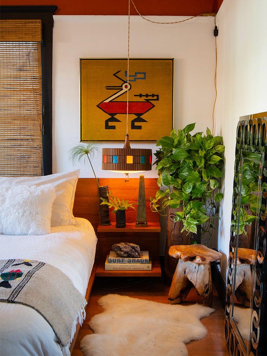 Bedroom with vintage Aztek prints