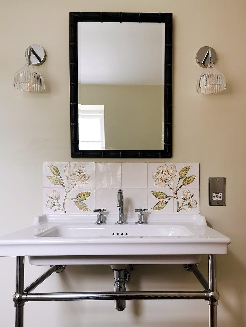Botanical tile in bathroom