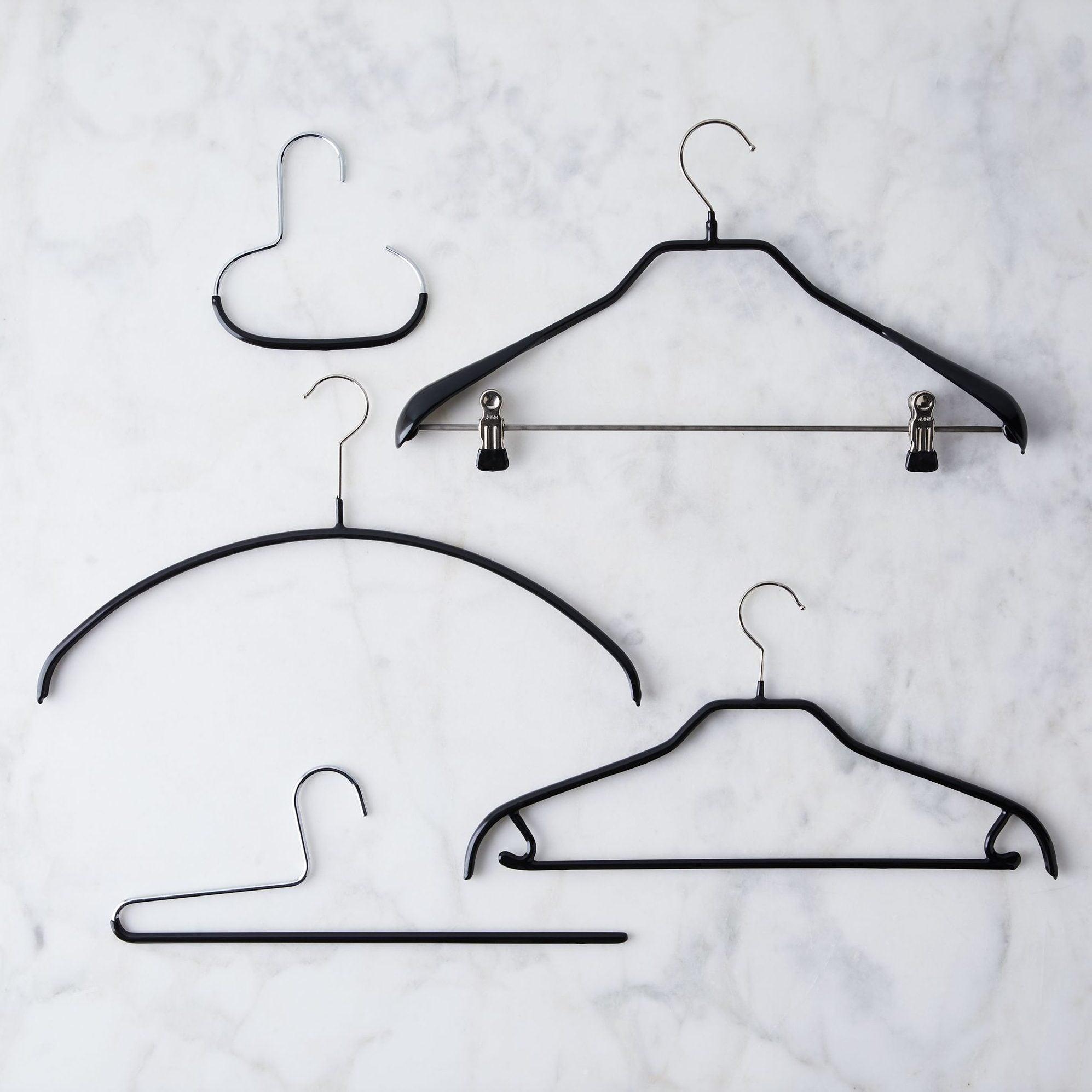 a22c66cf-1403-485b-938f-89530773d292–2019-1217_mawa_european-space-saving-hangers_ultimate-closet-kit-black_silo_ty-mecham