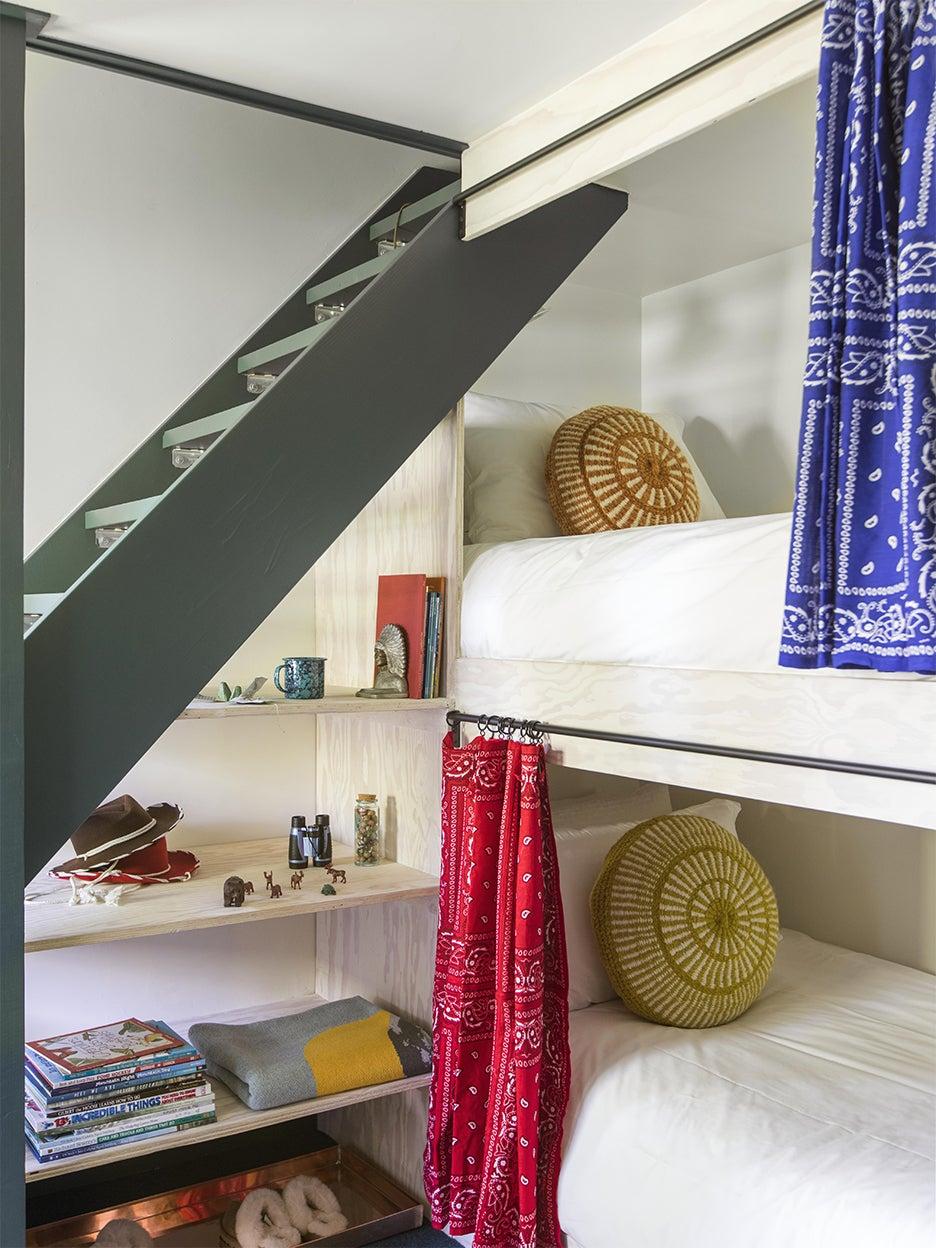 green ladder on bunks