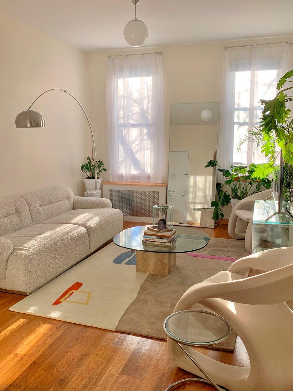 00-FEATURE-Patricia-Nygaard-Rental-Apartment-Hacks-domino