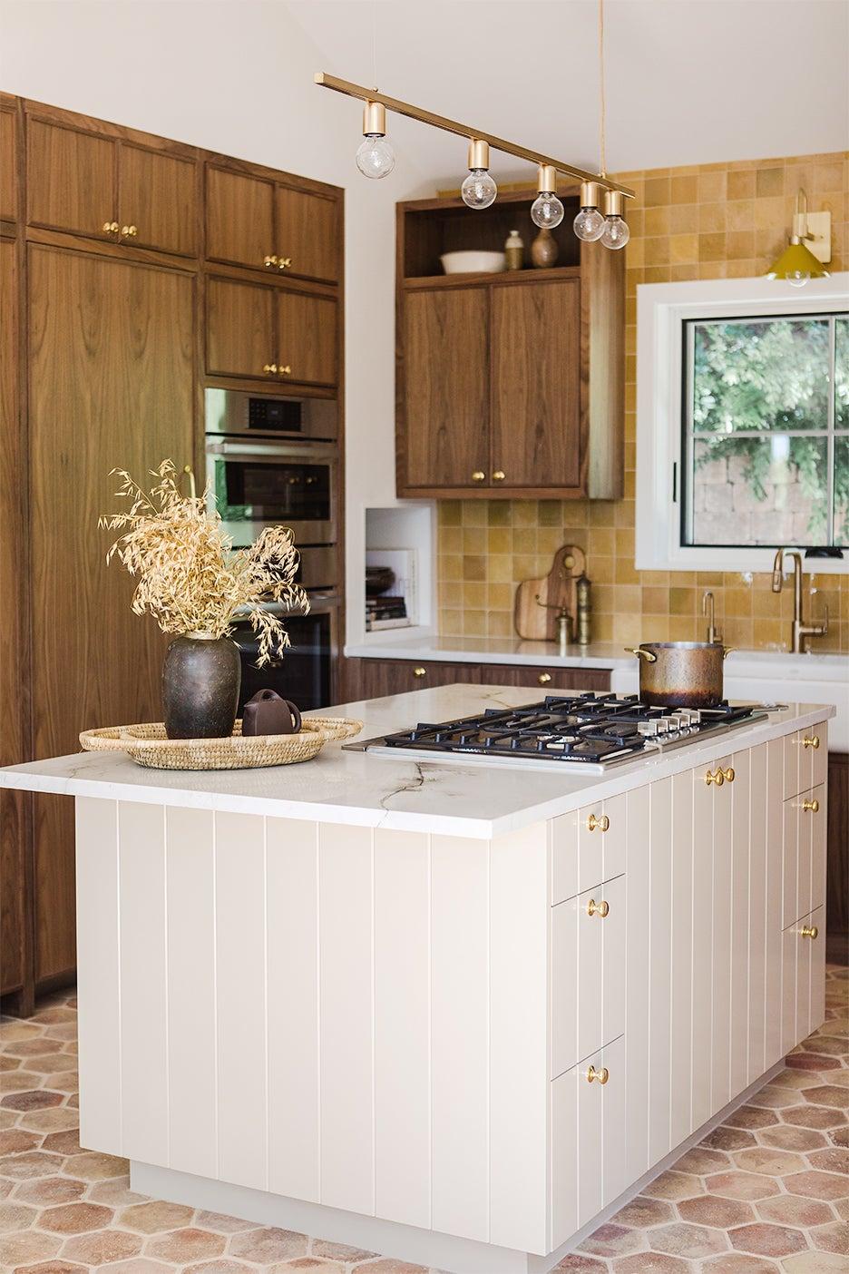 white ilsand in dark wood kitchen