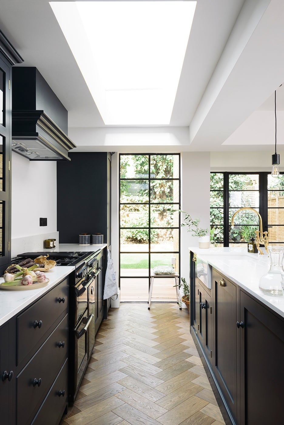 7 Top Paint Brands Reveal Their Best-Selling Kitchen Cabinet Colors