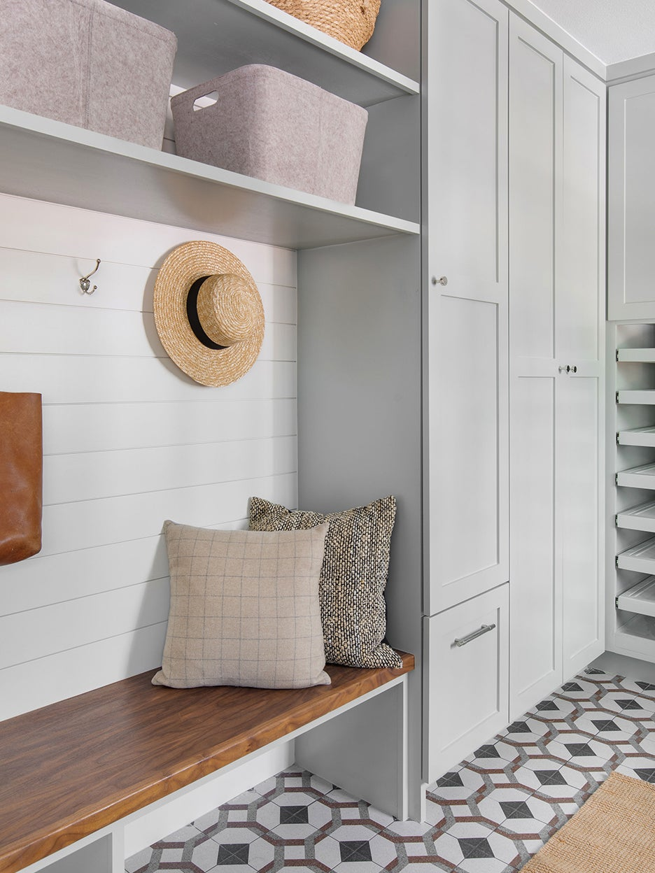 built in bench in laundry mud room