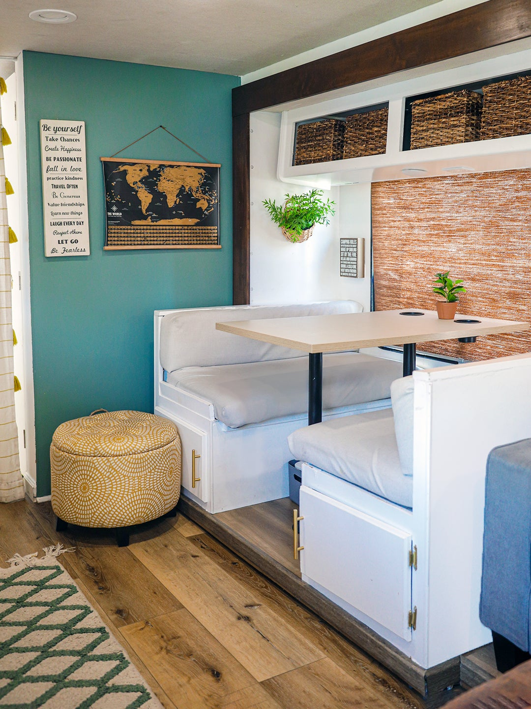 built in dining benches