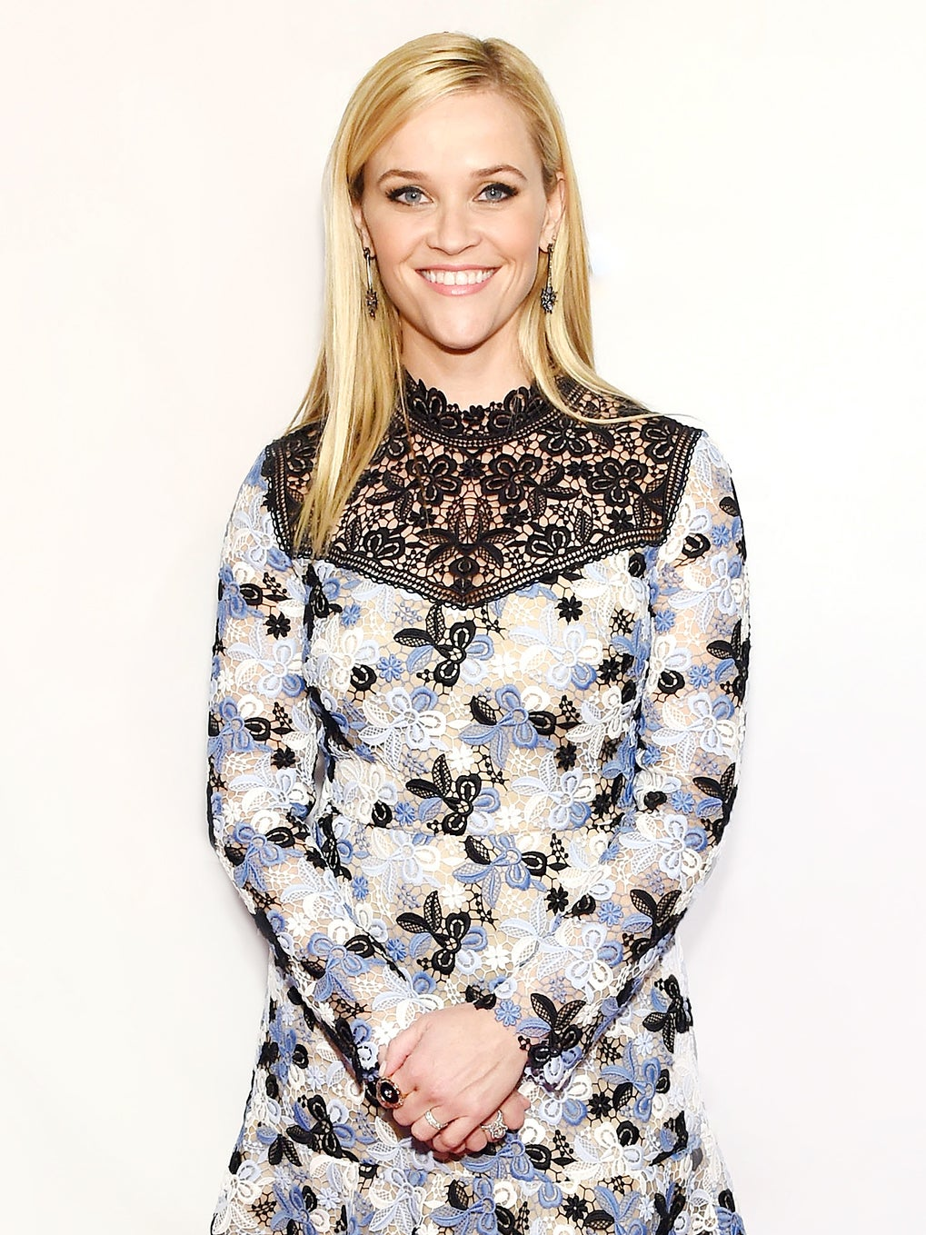 reese-witherspoon-book-club-domino