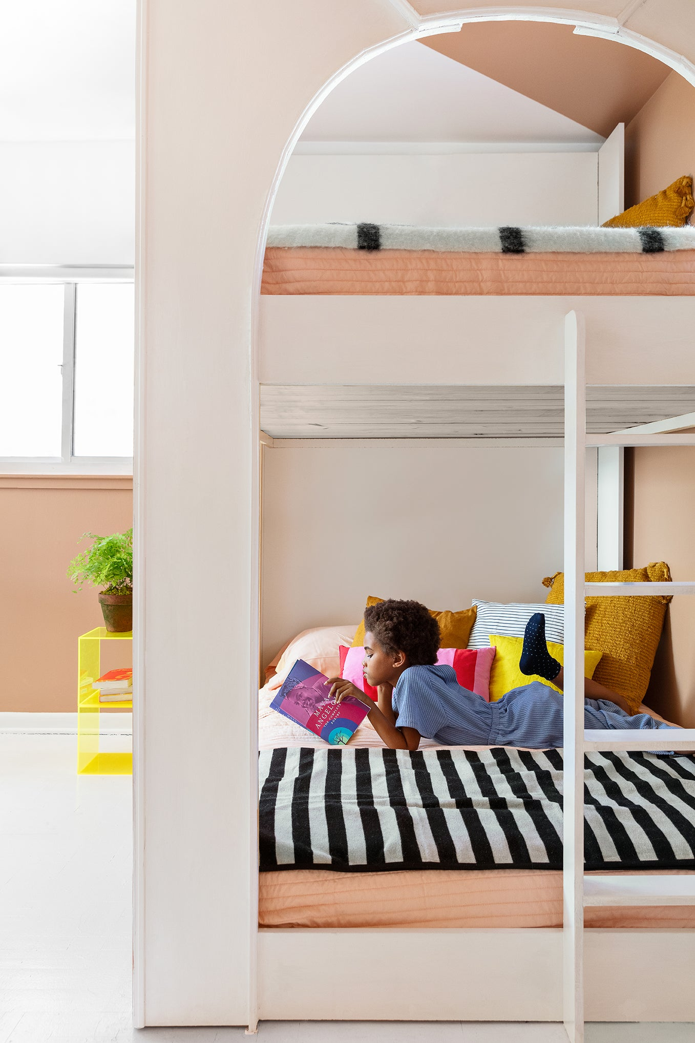 a kids bunk bed