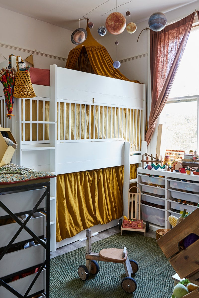 Terracotta rooms -bunk bed with curtains