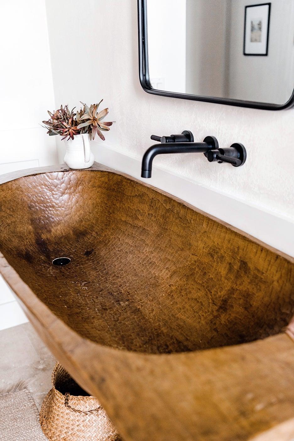 trough of bowl sink