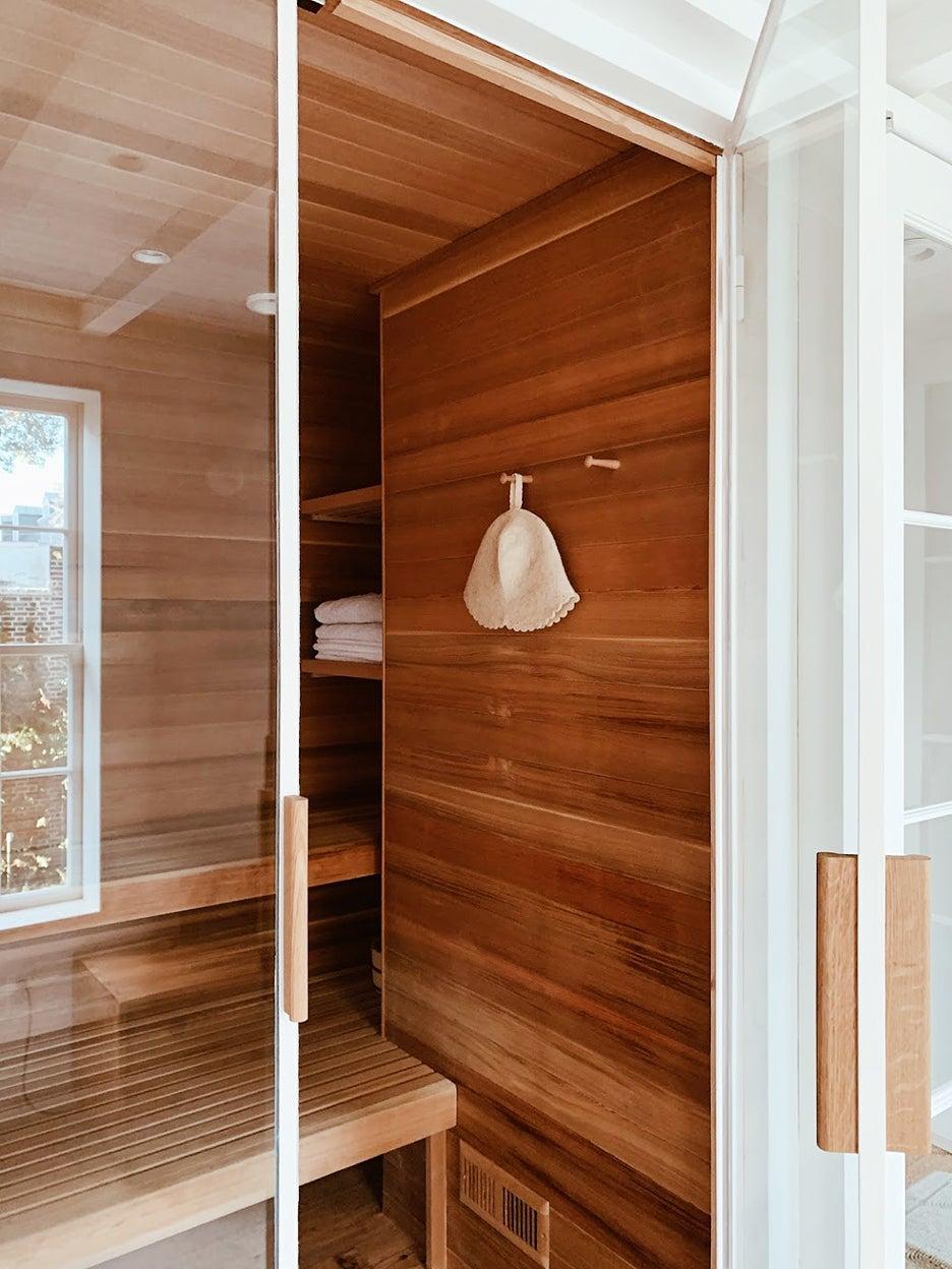 00-FEATURE-Indoor-Sauna-Build-DIY-domino