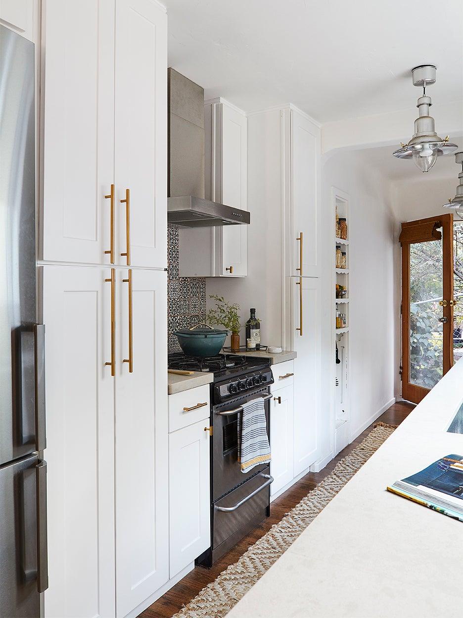 kitchen-cabinet-depth-domino