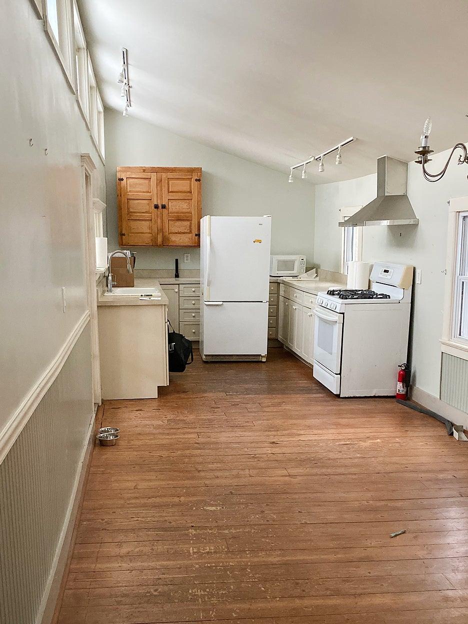 drab u shaped kitchen