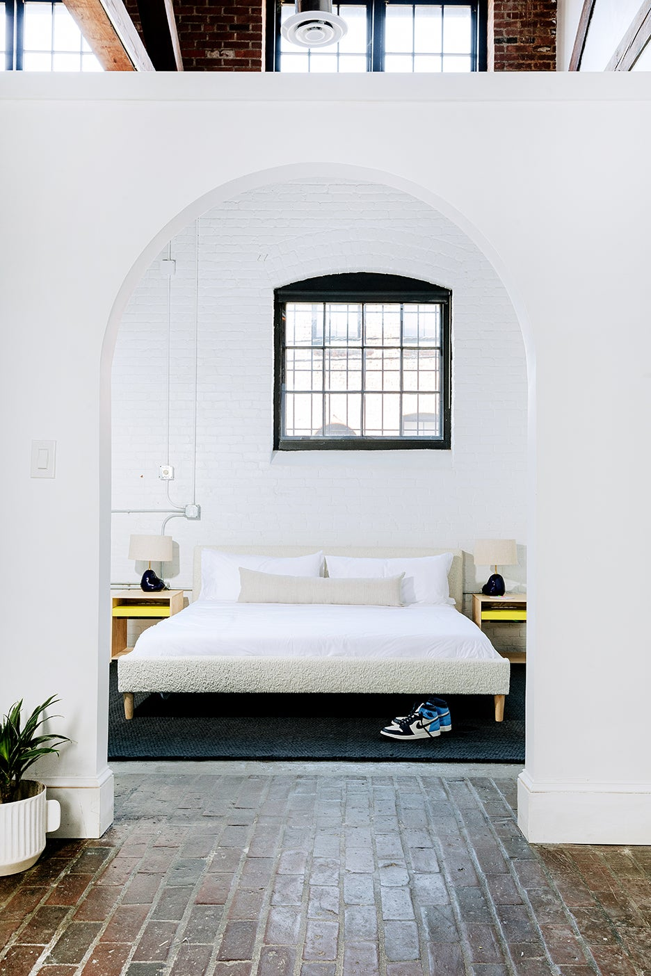 archway leading to bedroom