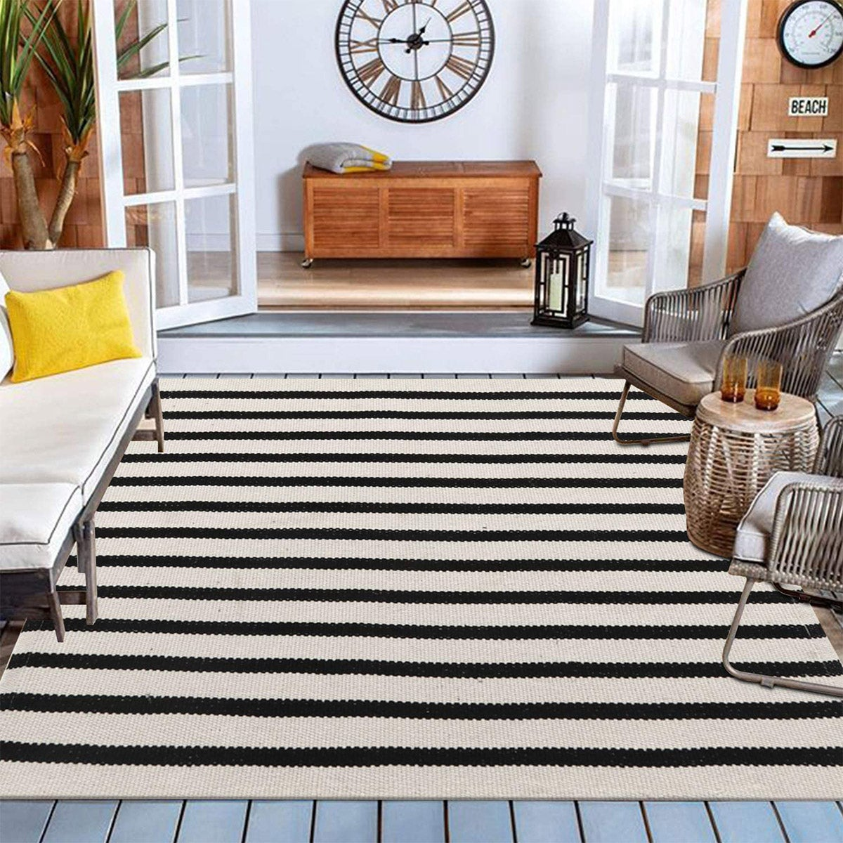 Best Outdoor Rug Option: Collive Farmhouse Cotton Woven Area Rug
