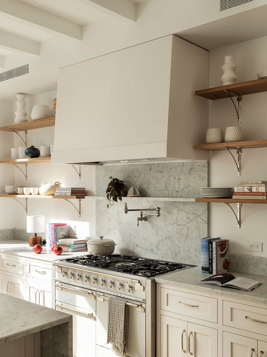 9 Wall Paint Colors To Pair With White Kitchen Cabinets
