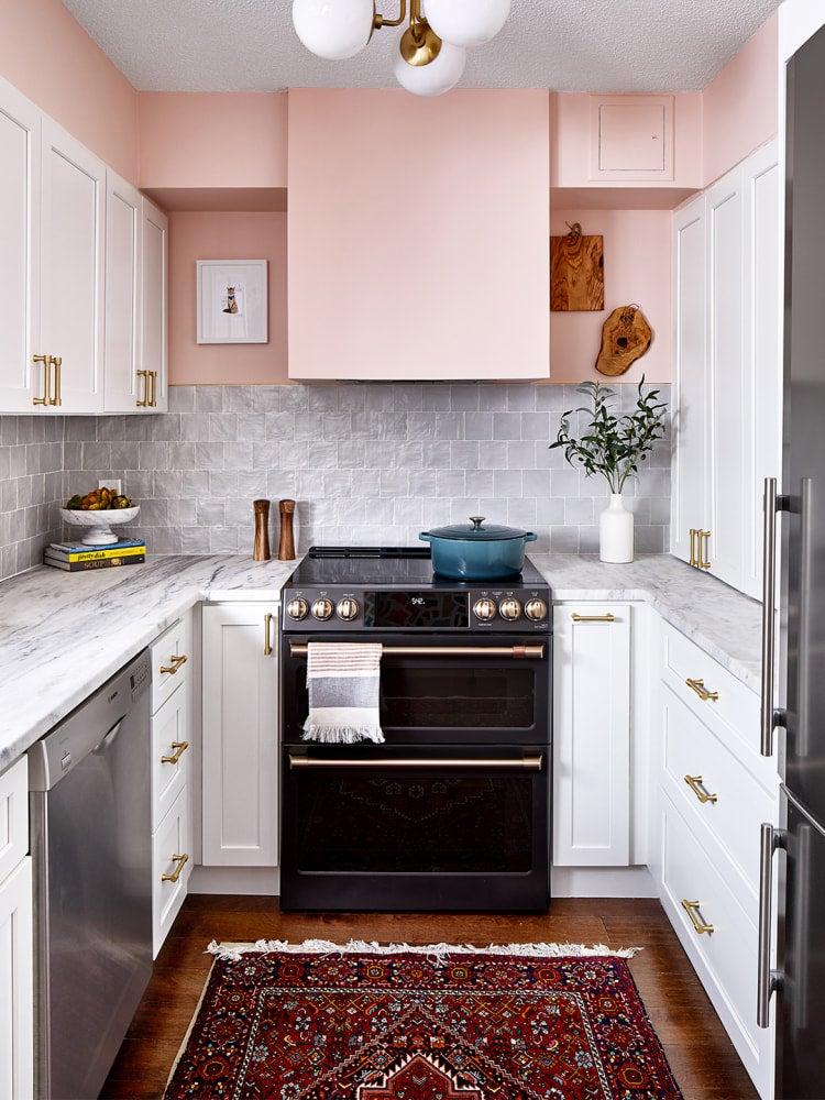 u shapped kitchen