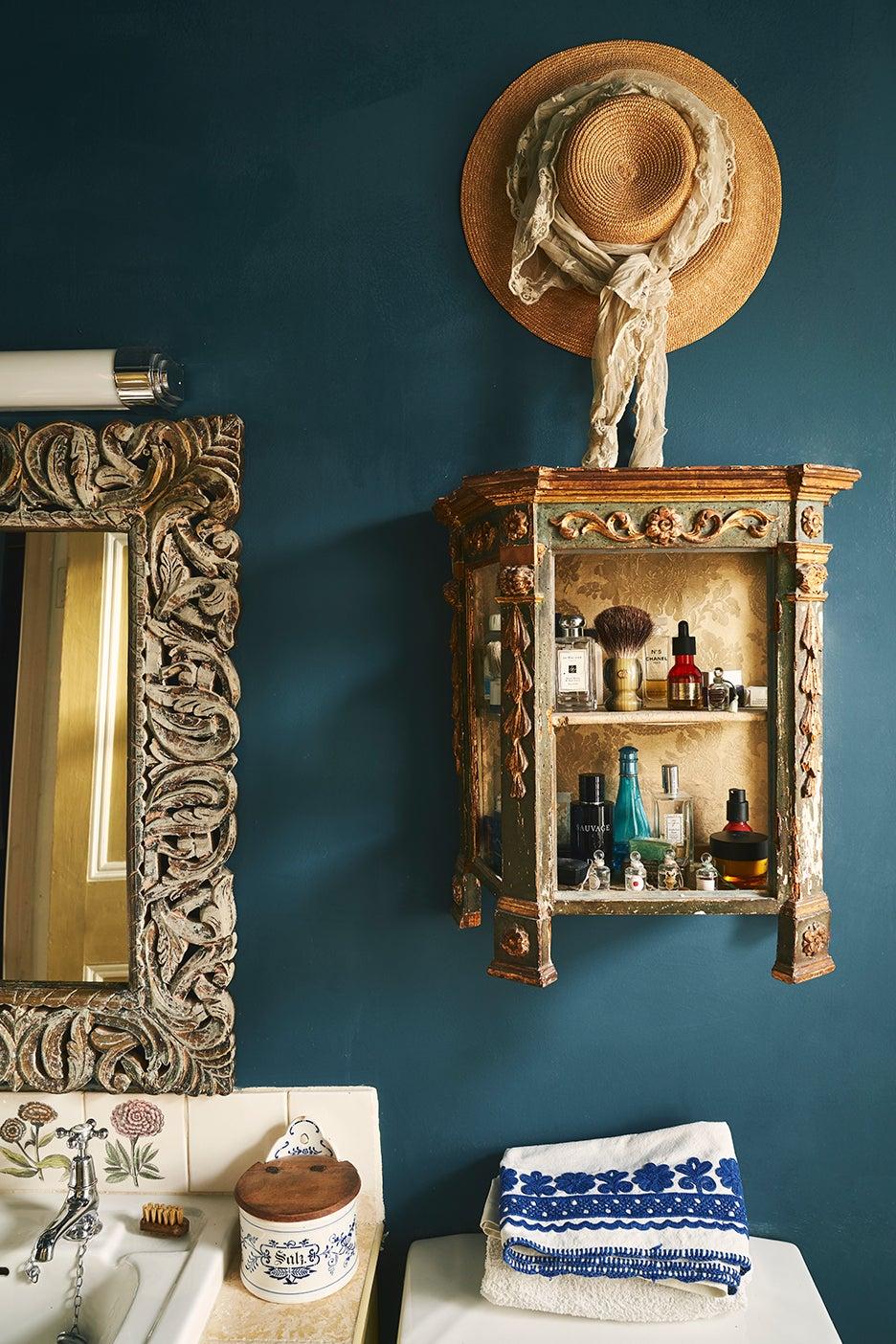 antique bathroom medicine cabinet