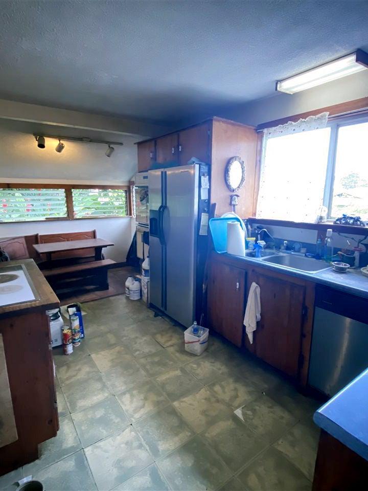 gross wood kitchen