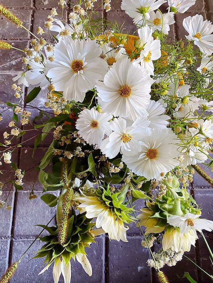 00-FEATURE-Jason-Wu-Mothers-Day-flower-tips-domino