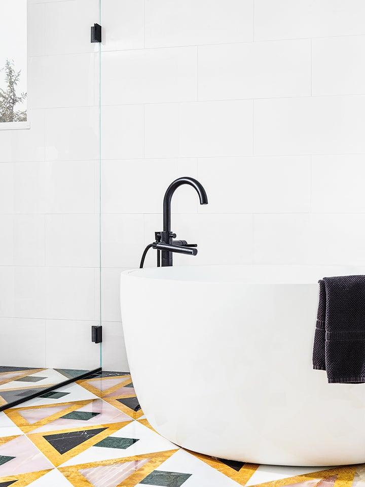 00-feature-domino-aelfie-bathroom