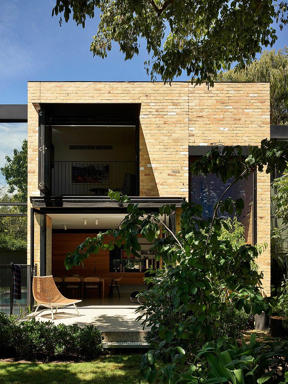 00-FEATURE-Simone-Haag-Garden-House-domino