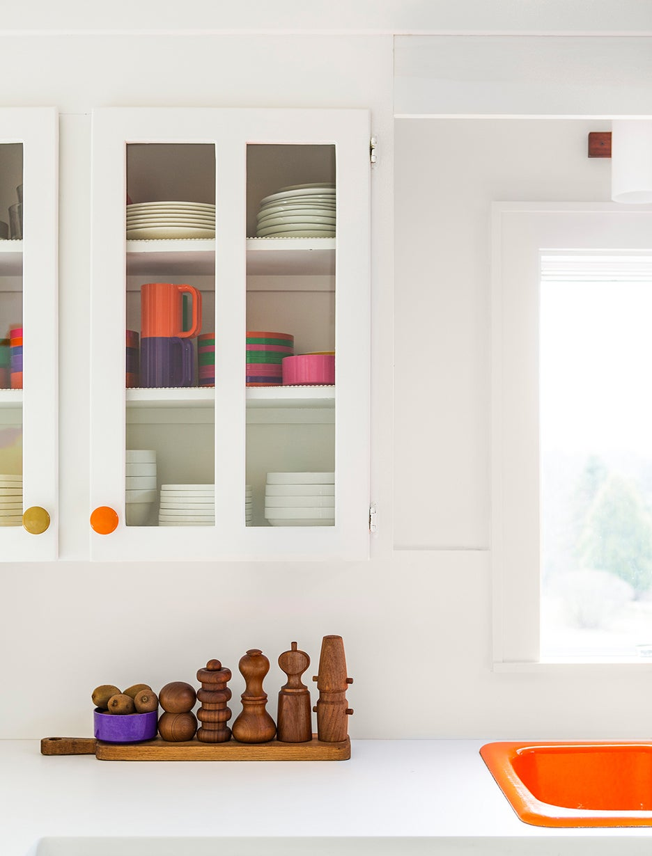 00-FEATURE-kitchen-cabinet-knobs-domino
