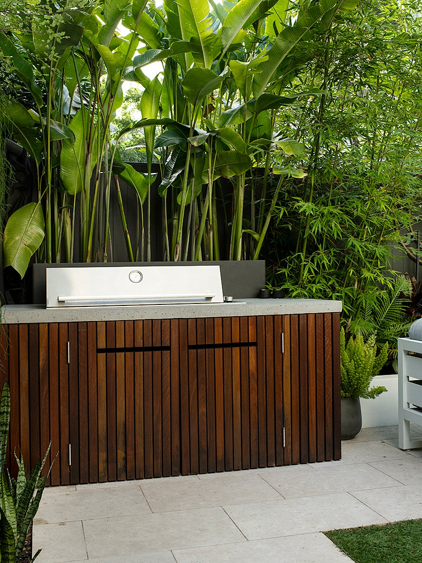 00-FEATURE-quick-ship-outdoor-kitchen-domino