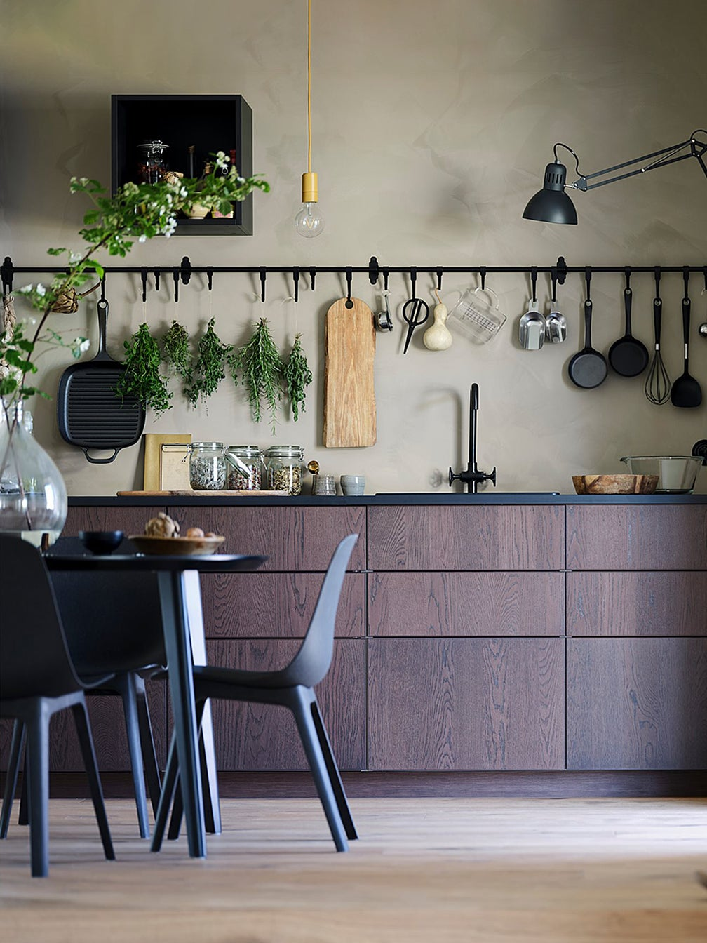 5 Designers On The Best Kitchen Cabinet Brands Because We Can T All Go Custom