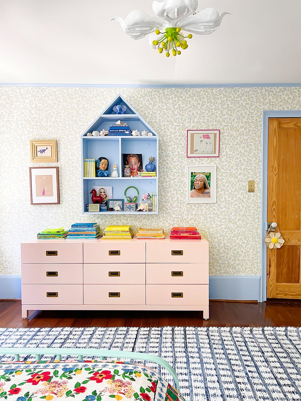pink dresser and checkered girls room rug