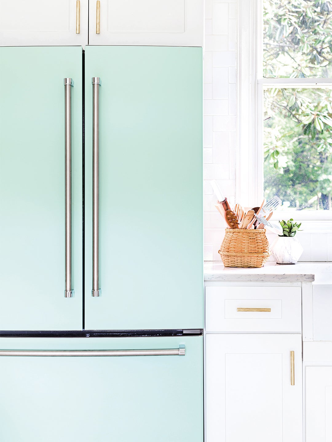 How to Organize a French Door Refrigerator So You Can Always Find the Salsa Jar