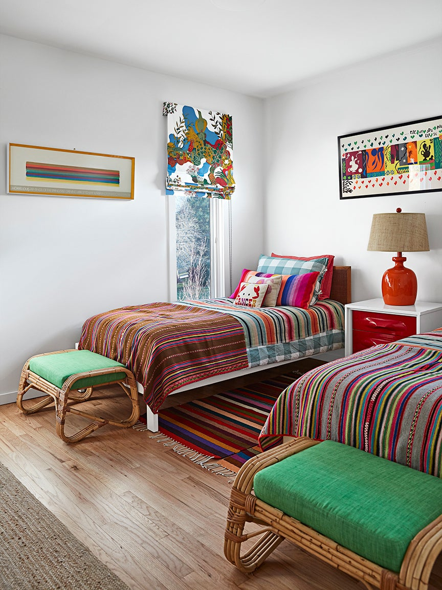 Kids-twin-bed-tips-domino-1