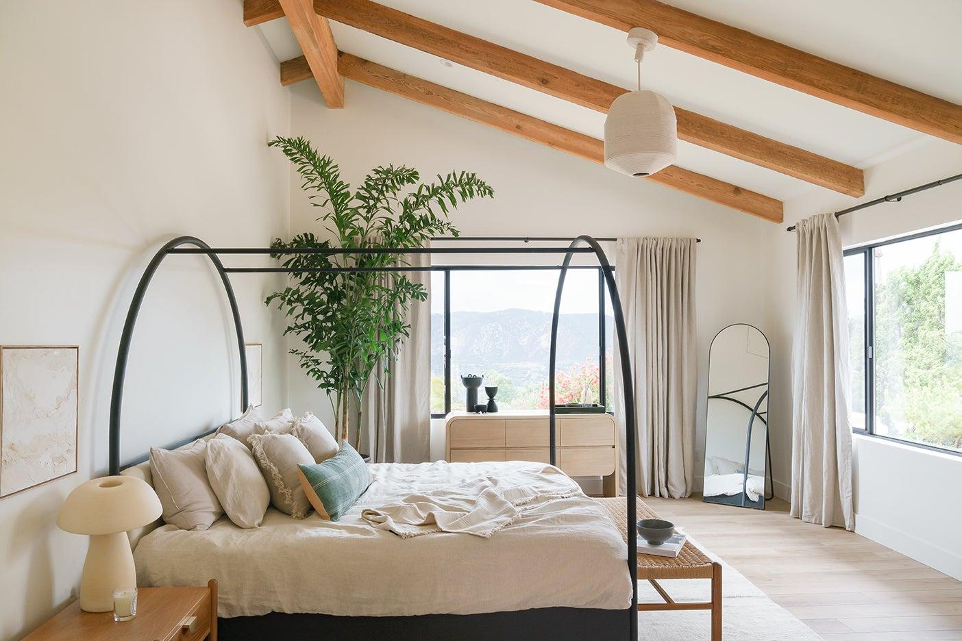 vaulted bedroom ceiling