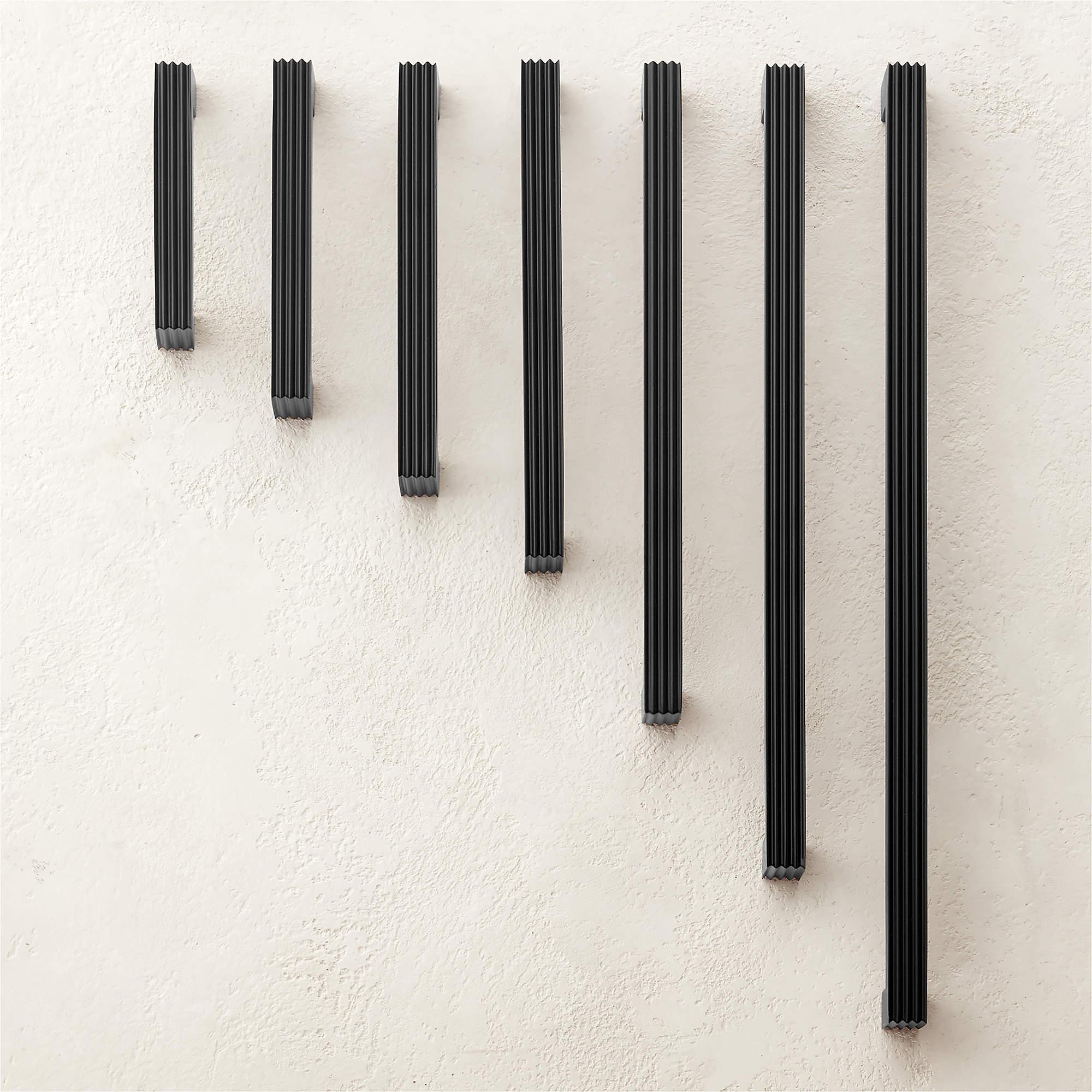 cody-black-handles