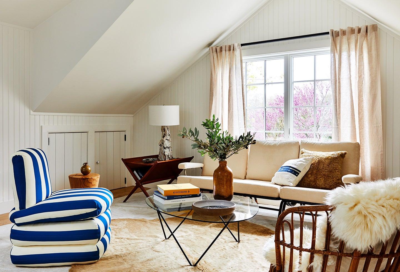 sitting room in bedroom