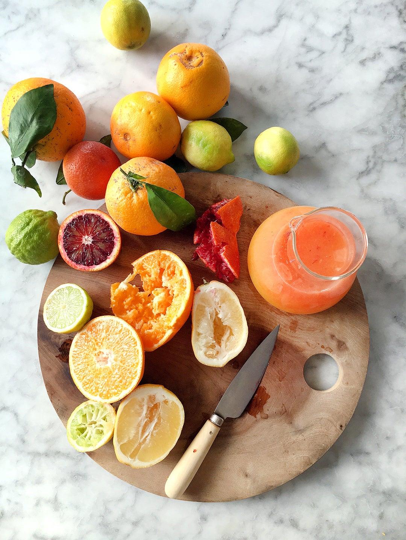knife on fruit plate