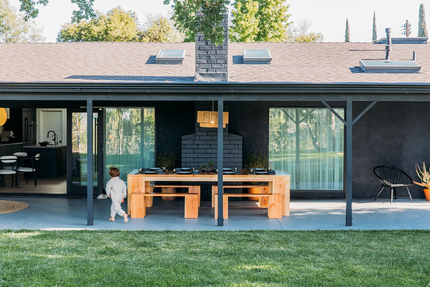 00-feature-mid-century-home-renovation-domino-HomeTour-49
