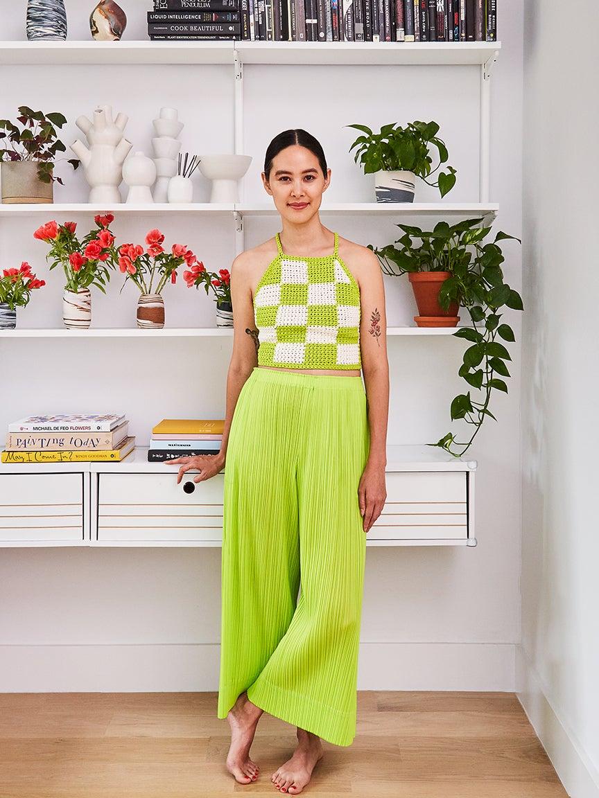 Lina Bui, white shelves