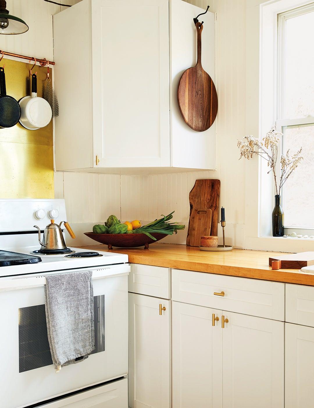 00-FEATURE-upper-corner-kitchen-cabinet-organization-ideas-domino