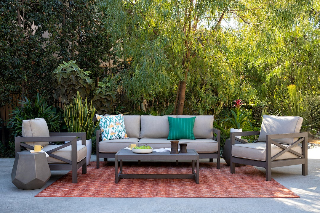 00-FEATURE-chic-firepit-domino