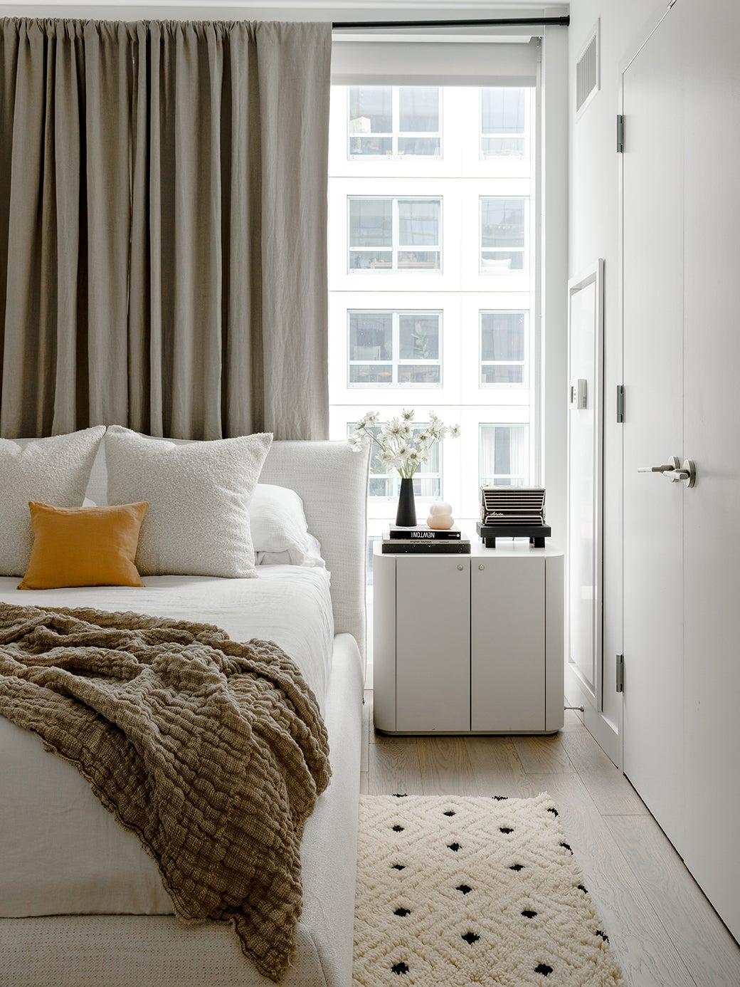 linen-throw-blanket-domino