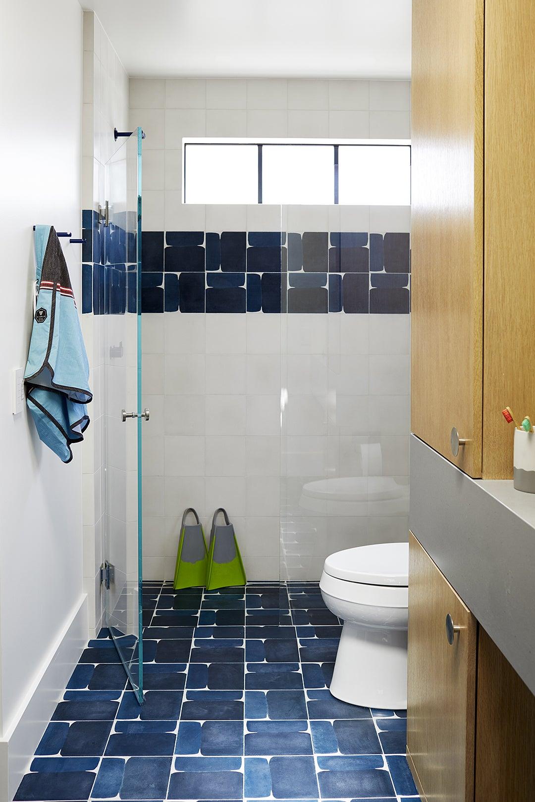 blue baththroom tile