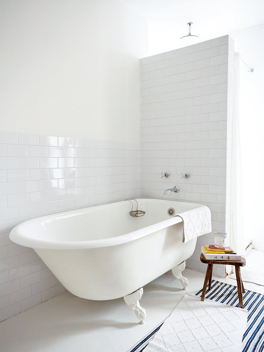 Wake Up Your Snoozy Subway Tile Shower With This Simple Addition