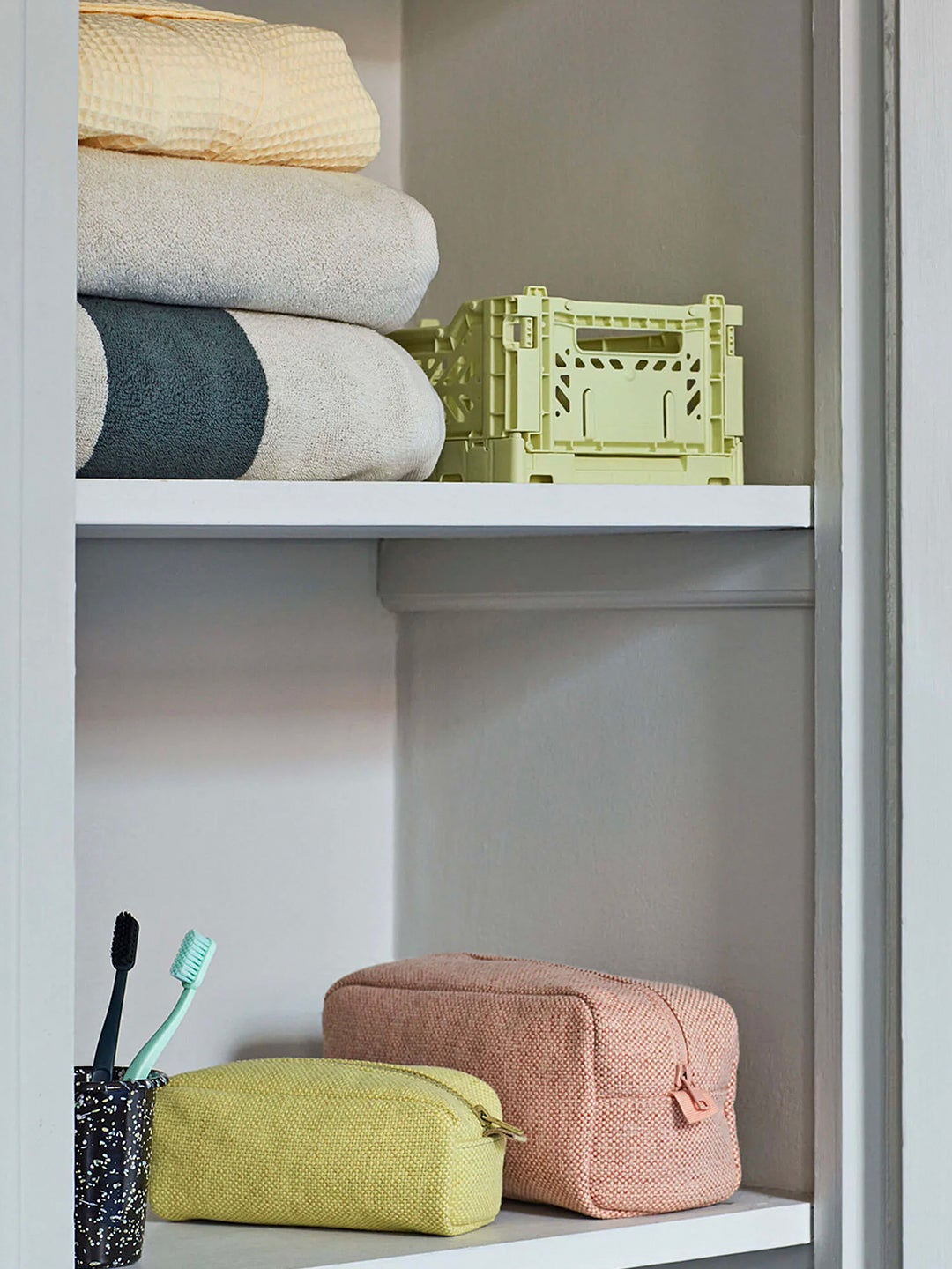 5 Actually Cute Crates for Organizing, Not Climbing