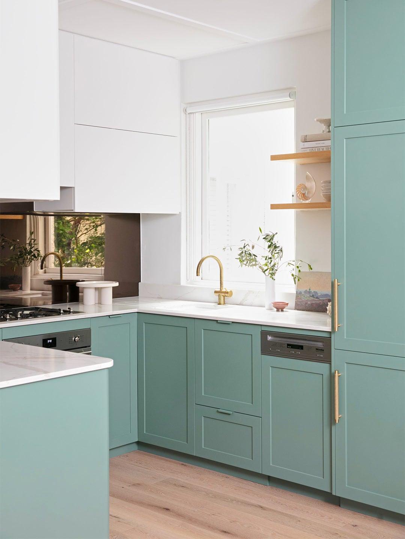 00-FEATURE-Upper-Kitchen-Cabinet-Set-Up-bright-idea-domino