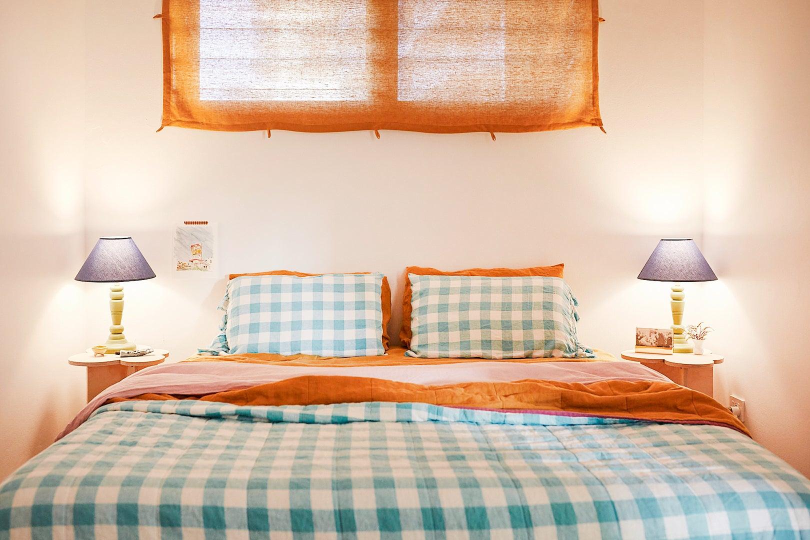 checkered bedding