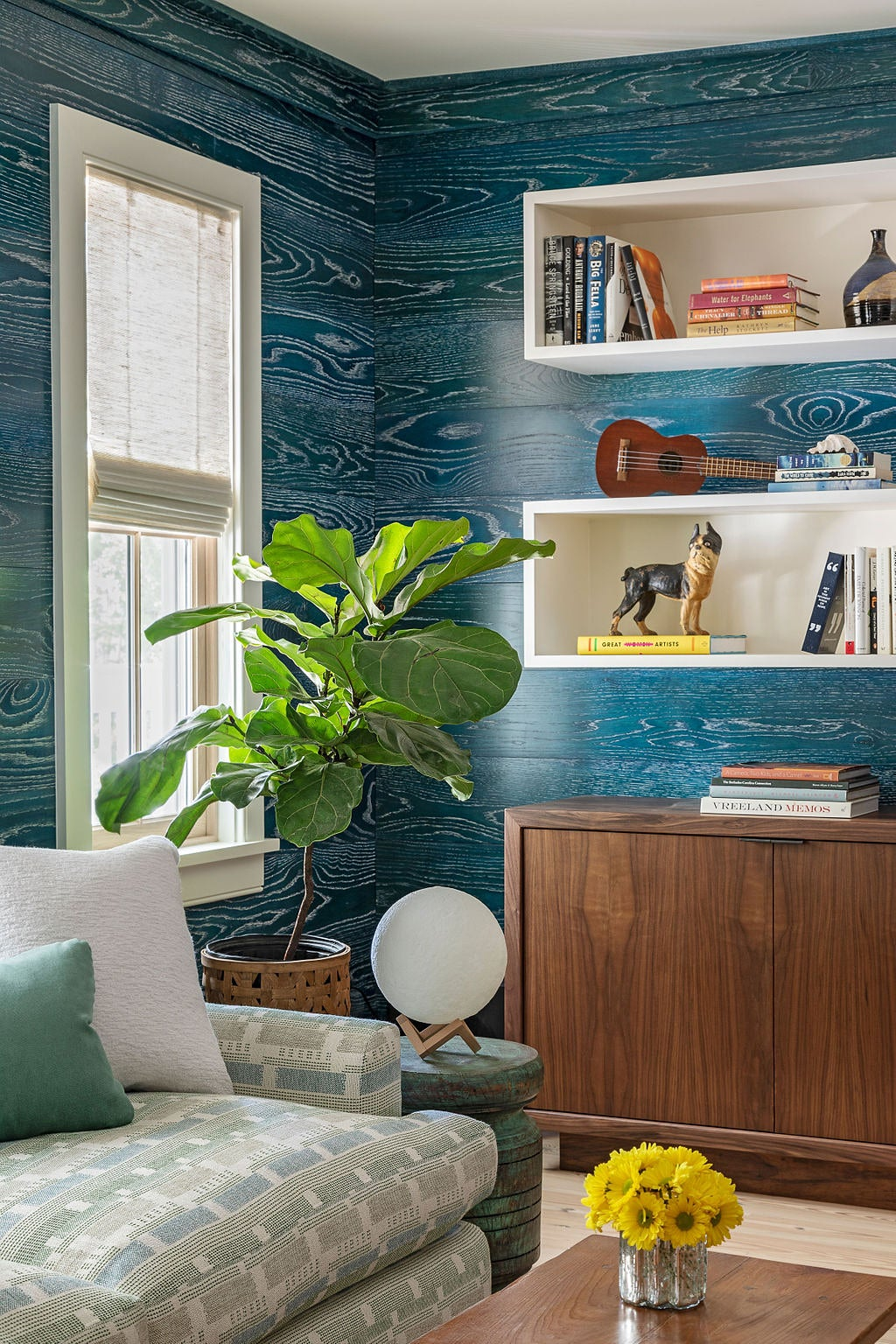 00-FEATURE-Blue-Stained-Walls-bright-idea-domino