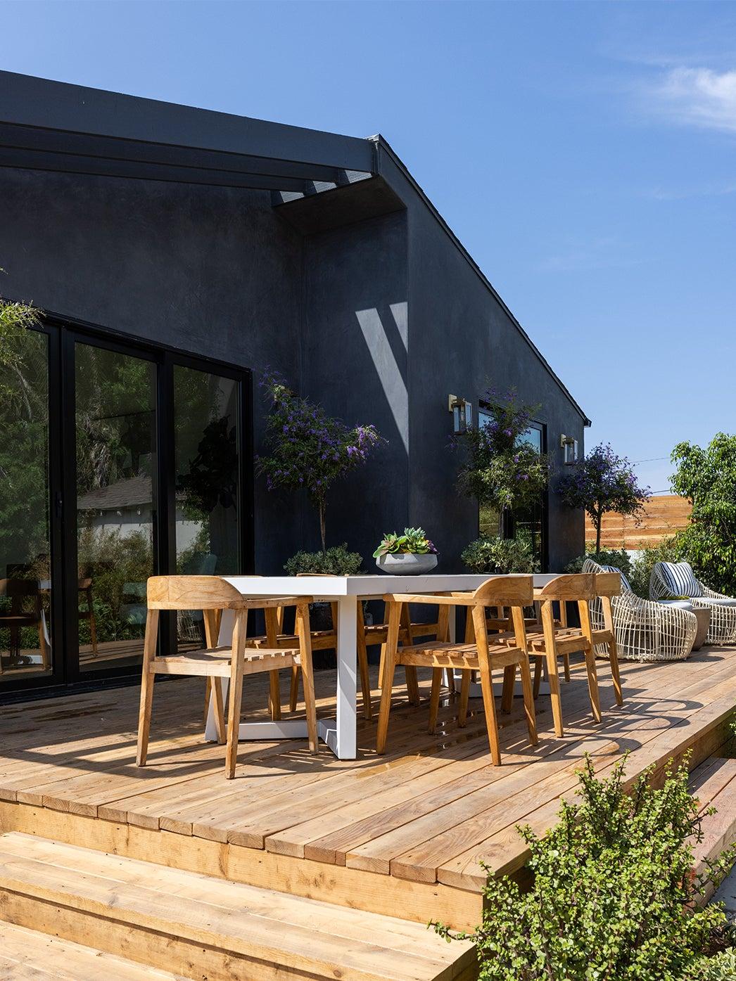 00-FEATURE-dark-exterior-home-renovation-domino