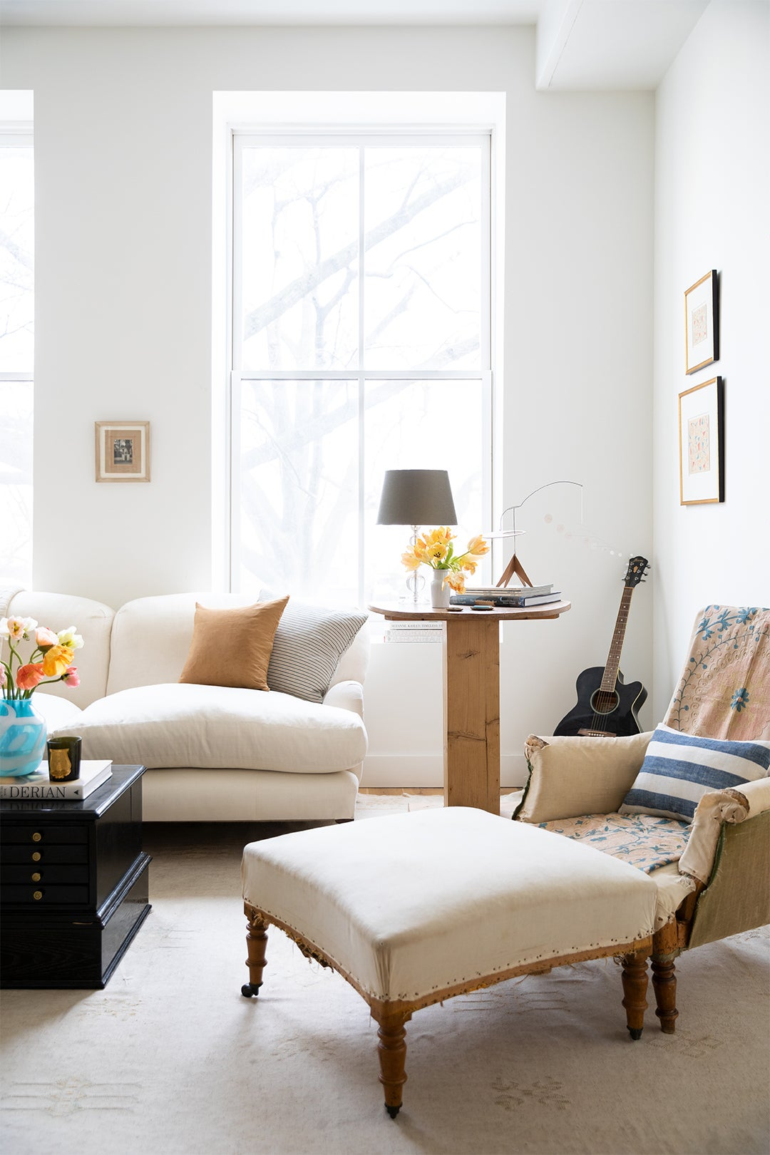 Sitting Chair With Ottoman and Coffee Table
