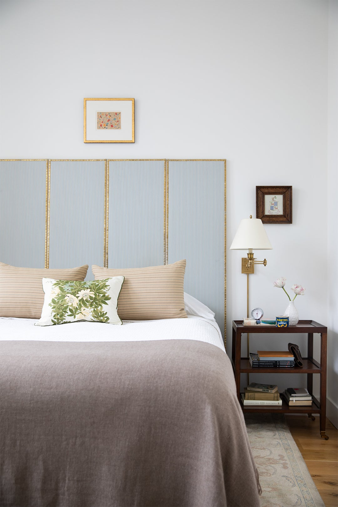 Bed with DIY Screen Headboard