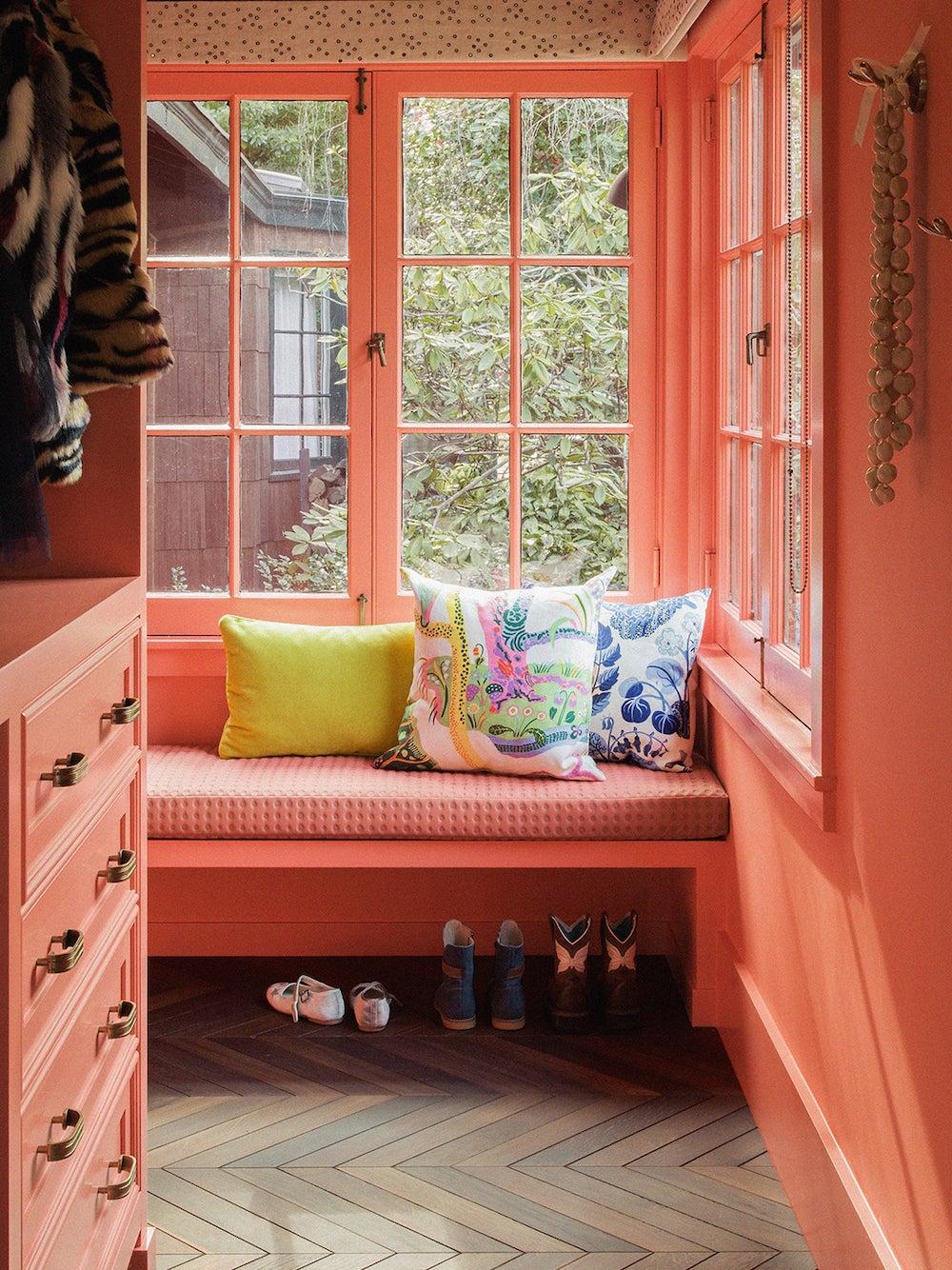 hot pink window nook closet